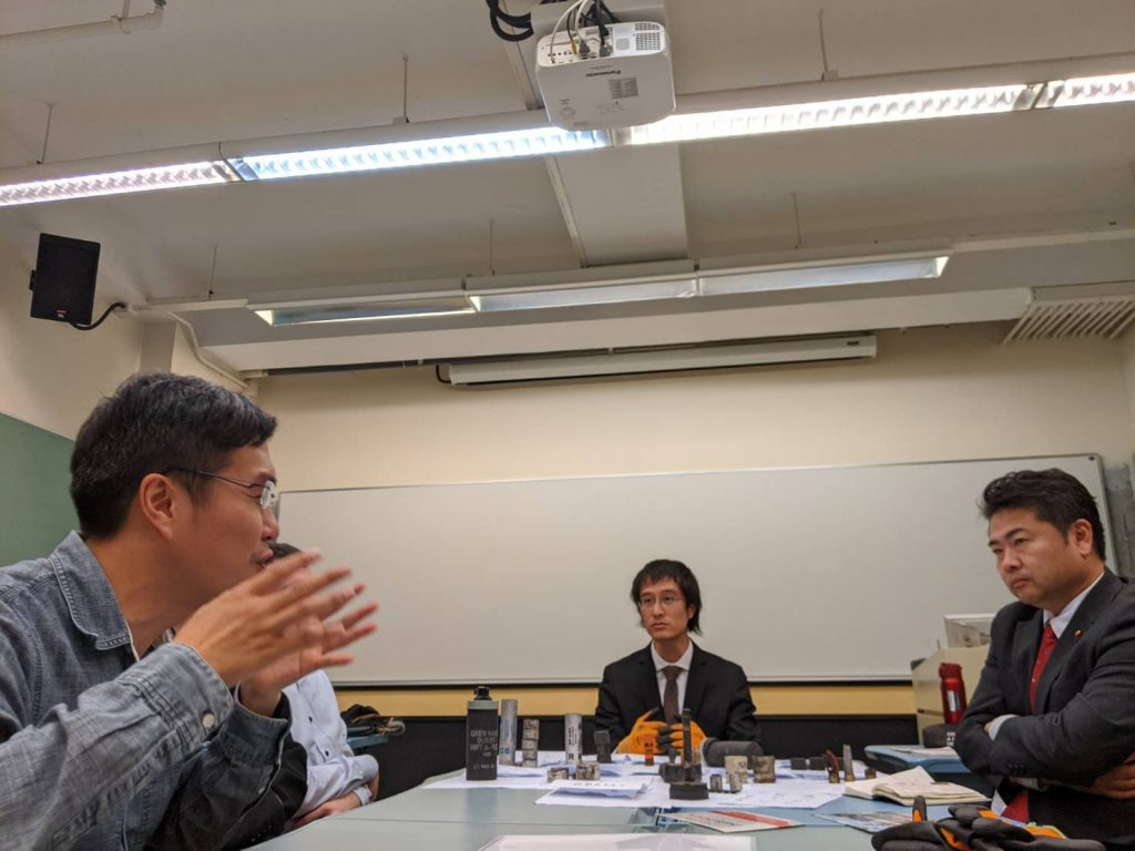 香港の民主主義を守るには01