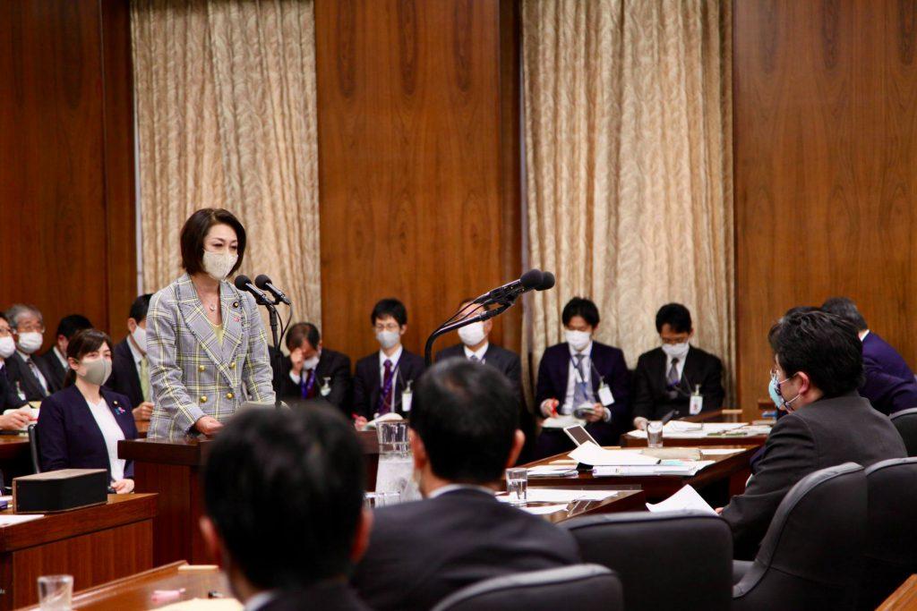 三原じゅん子厚生労働副大臣に新型コロナウイルス感染症対策の「小学校休業等対応助成金」の改善を求めました1