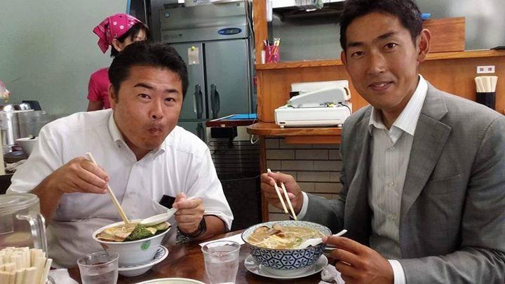 昨日は黒石 健太郎さんとお礼の挨拶回り。昼ご飯は「美味しいラーメンが食べたい」とのリクエストに応えて「しんのすけ」へ。