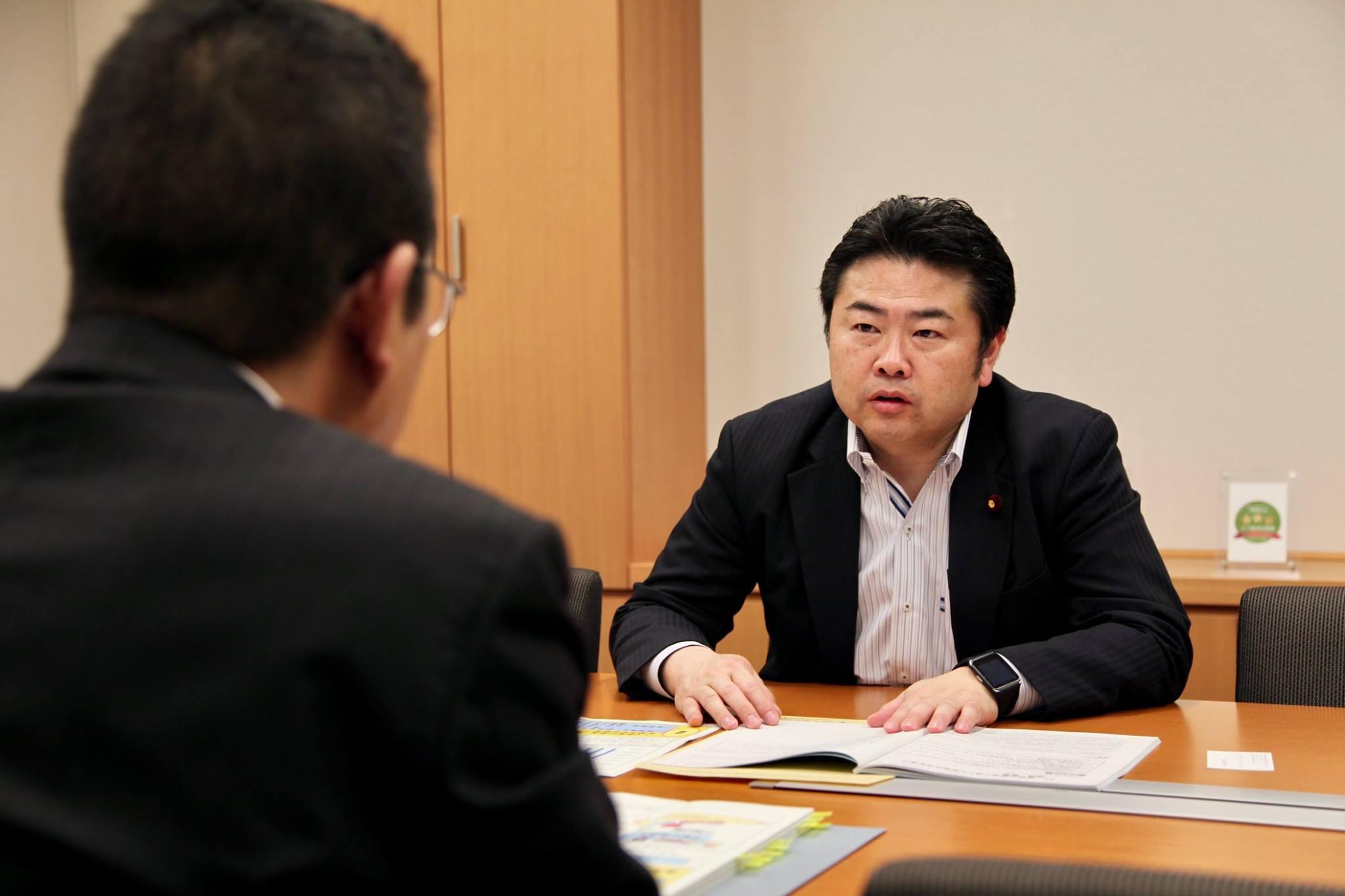 岡山県庁の村木総合政策局長が事務所を訪ねてくださり、「国に対する提案」を説明してくれました。