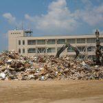 災害ゴミはまだまだ片付いてません。