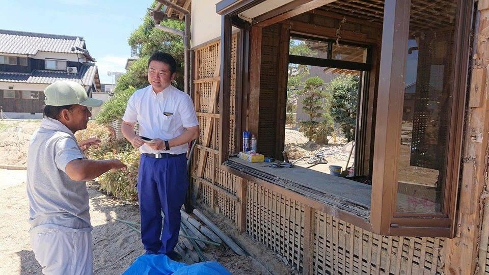 倉敷市真備町で被災された家を訪ね、お困りごとをお聞きするとともに、被災当日のお話を伺っています。