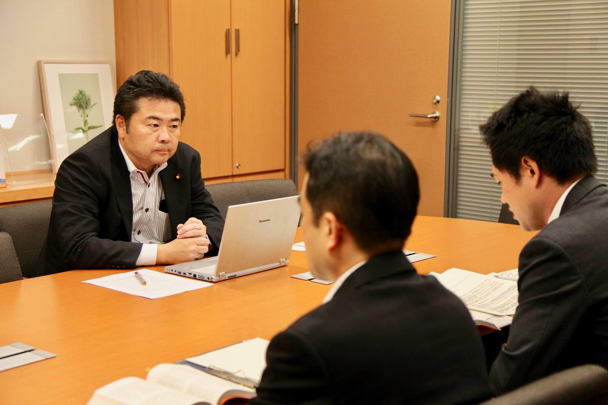 先日、「菅官房長官がギャンブル依存症対策としてパチンコ景品交換所の改廃に踏む込む意向」とのニュースが流れました。
