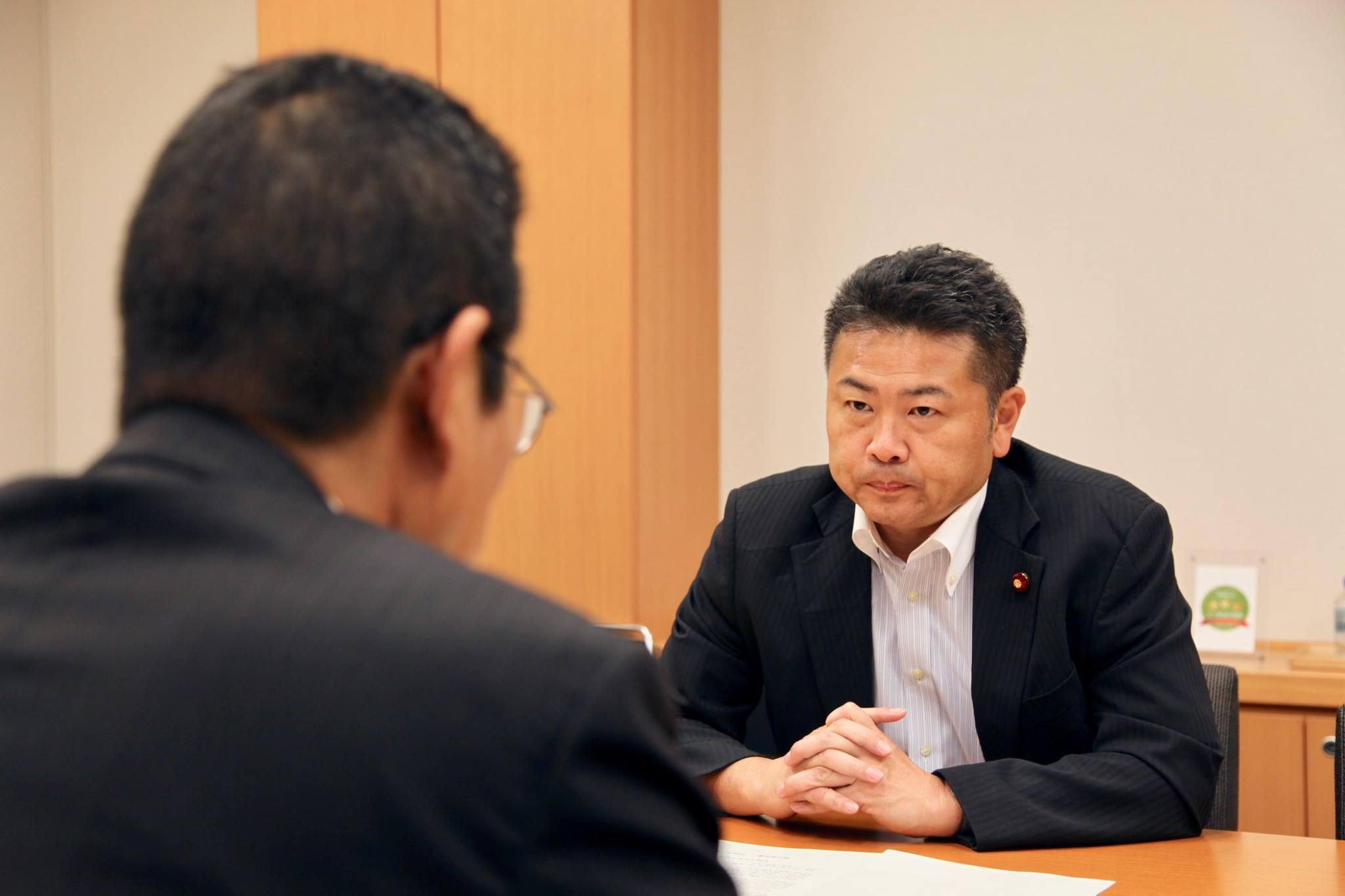 西日本豪雨災害に関する要望書を持参されました。