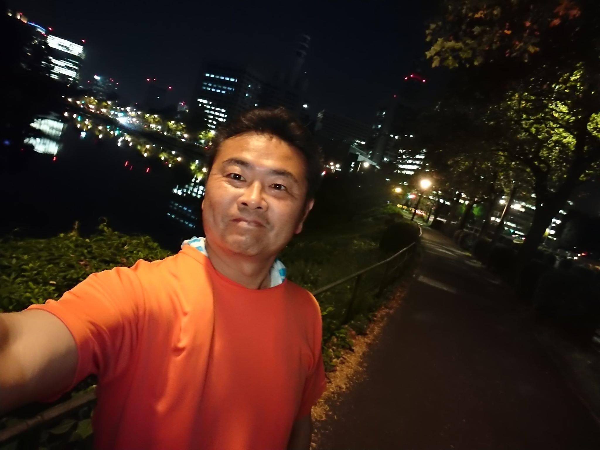 今夜も18km(皇居3周+赤坂宿舎往復)走りました。
