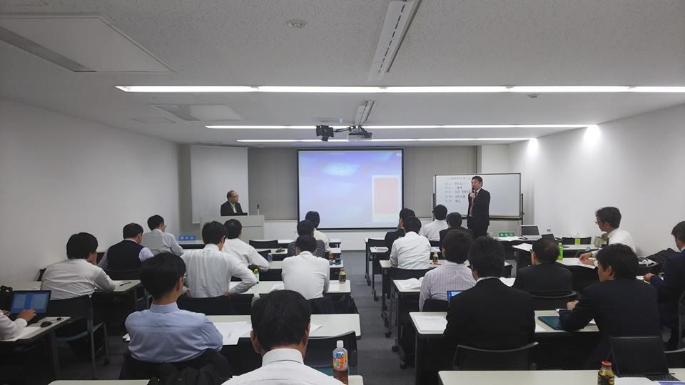 私が代表を務める「IT戦略研究会」で、総務省の谷脇康彦総合通信基盤局長に講師をお願いしました。