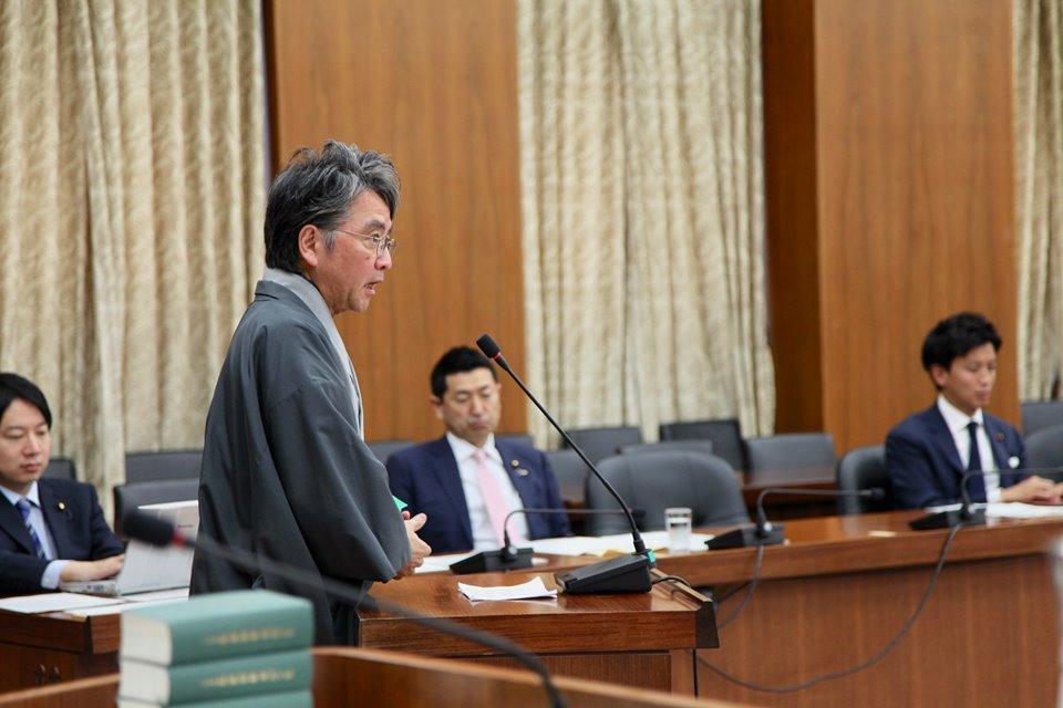中村伊知哉慶応義塾大学教授をお招きし、意見をお伺いしました。
