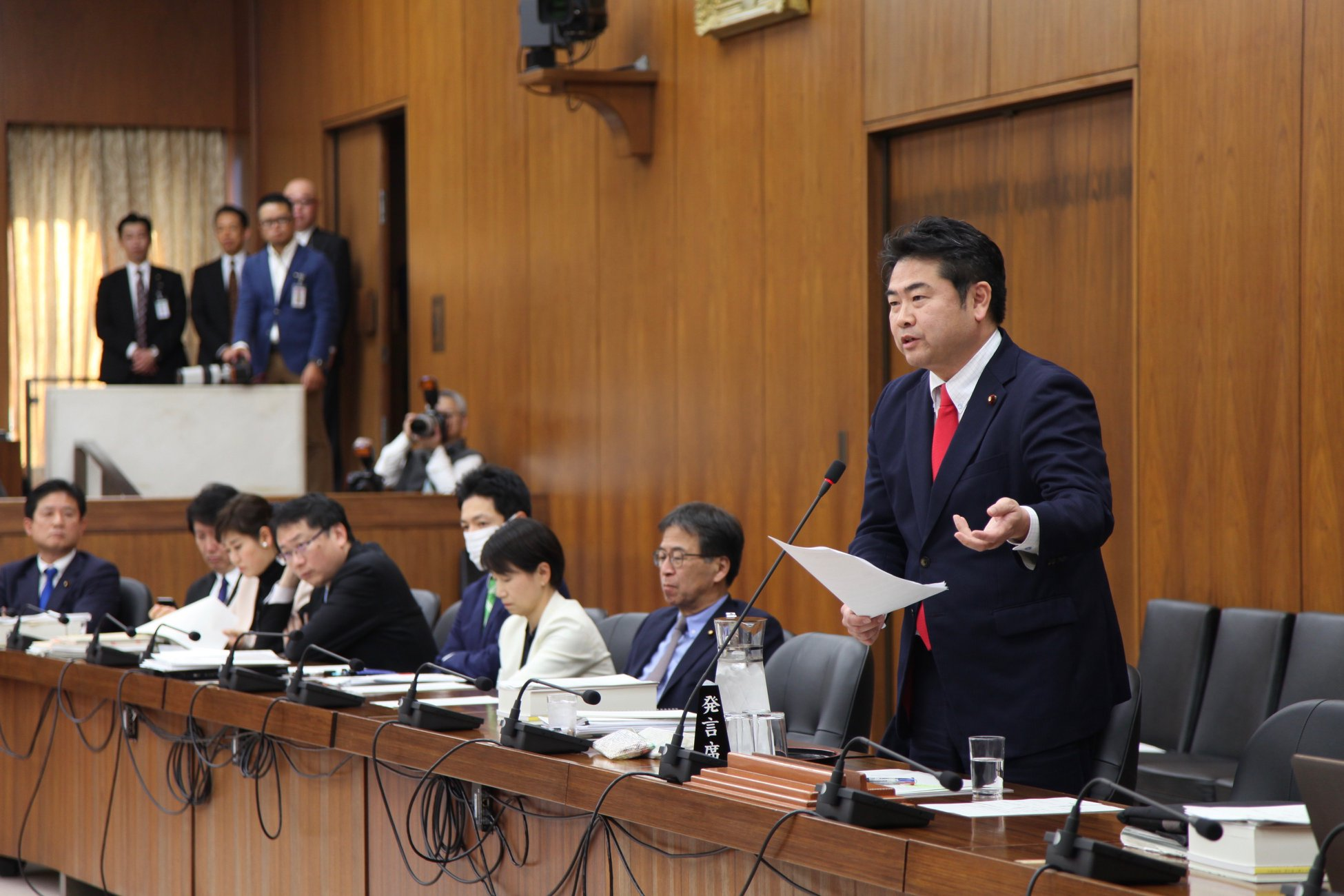 2月28日総務委員会:安倍総理との質疑(その3)