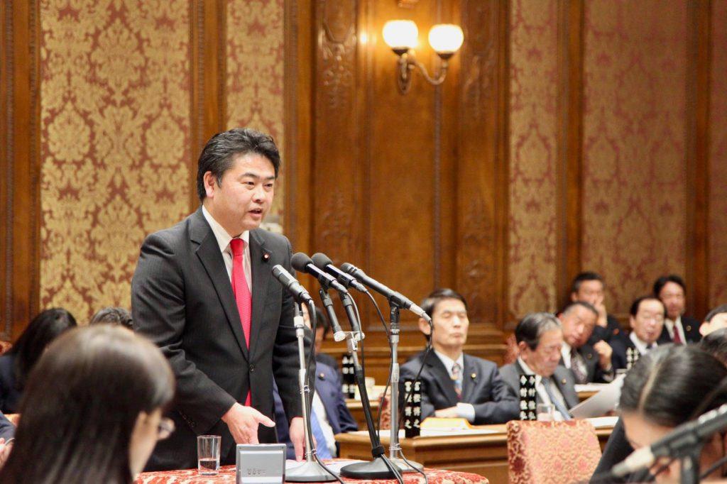 菅官房長官に対して予算委員会や内閣委員会等で提案