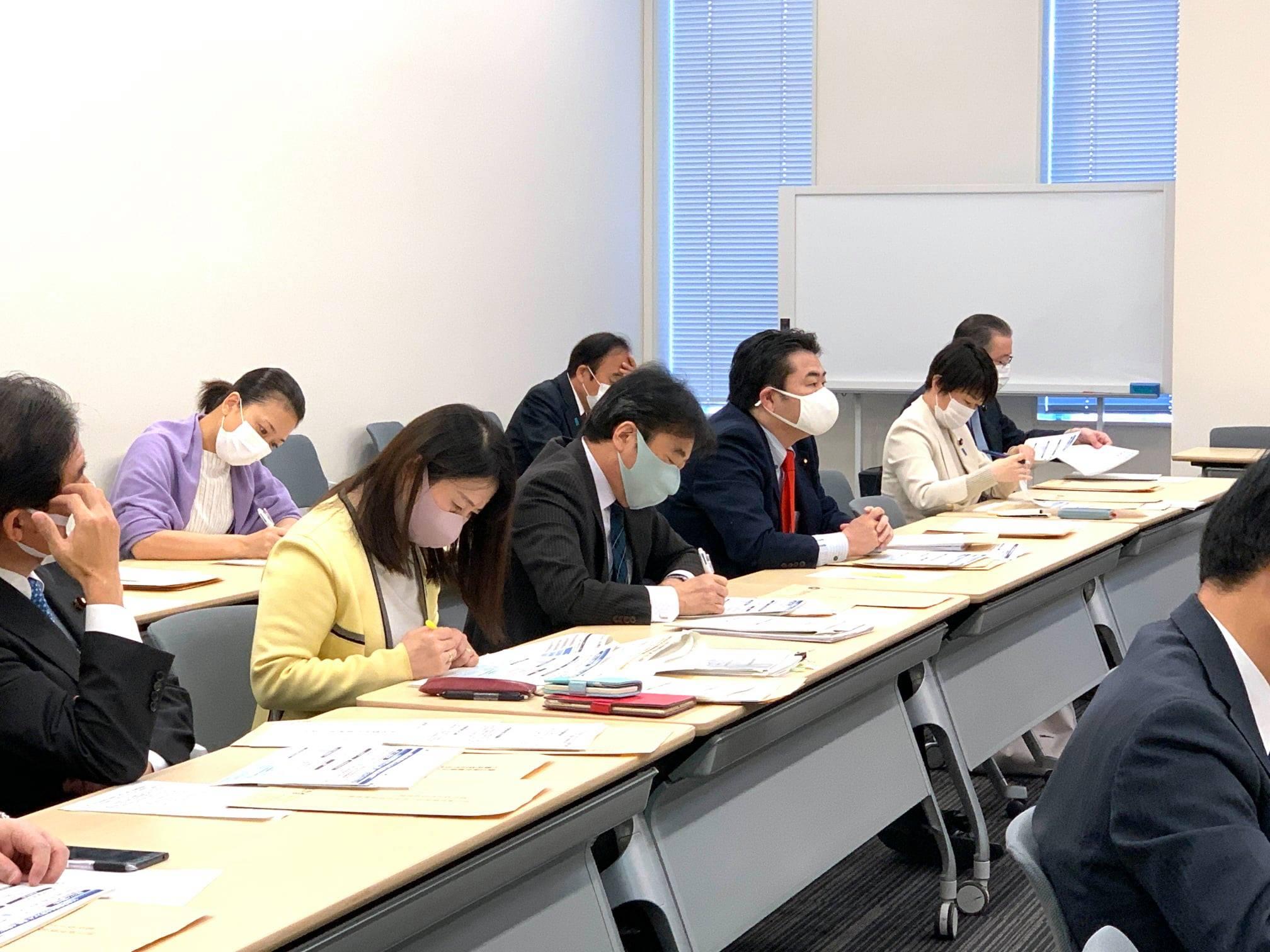 特措法には「都道府県知事は民間病院に対してコロナ患者の受入れを要請・指示できる」との規定がある(31条)